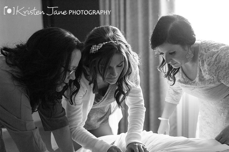 Groveland Fairways Wedding - Bride Getting Ready